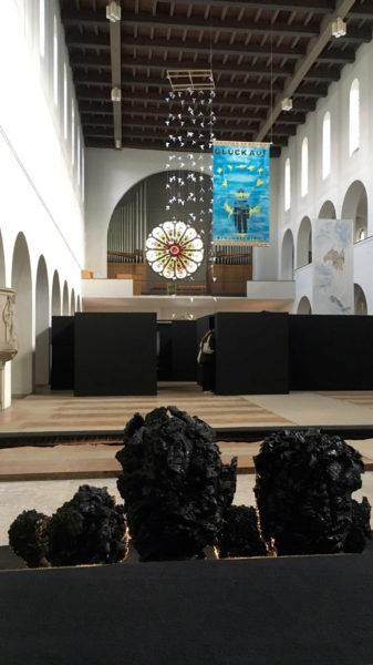 Ruhe Licht aus bkb Ausstellung Chris Kirche Koenig Kohlekoepfe Gabriele Schmitz-Reum